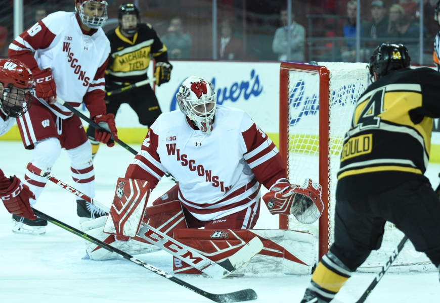 Men's hockey: Ailing Badgers can't keep up with No. 6 Buckeyes on the road
